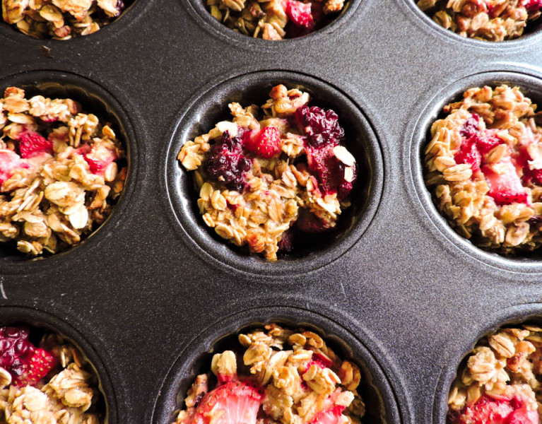 Baked Banana Berry Oatmeal