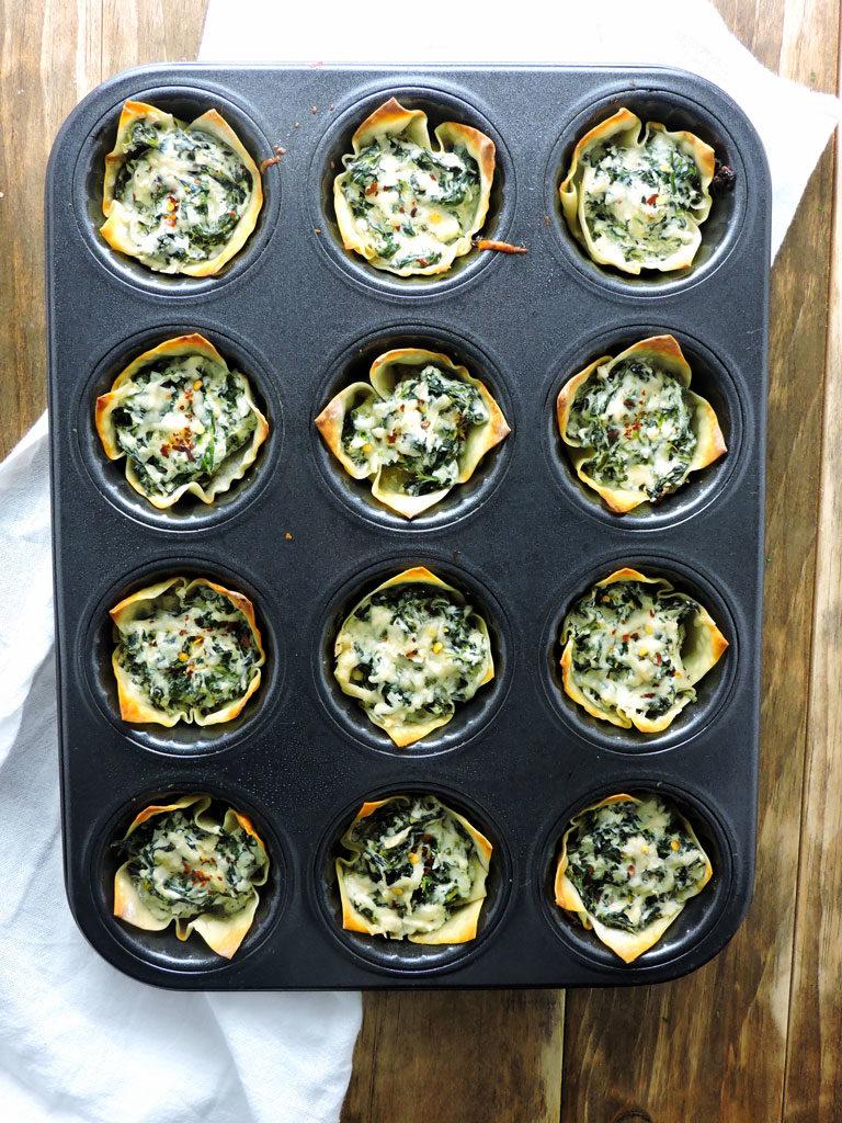 Cheesy Spinach Dip Wonton Cups