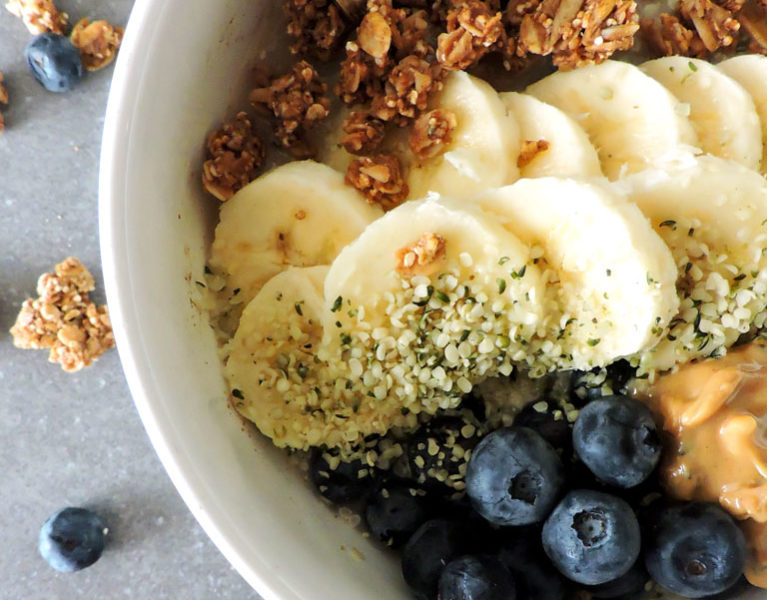 Blueberry Oatmeal Super Food Protein Bowl